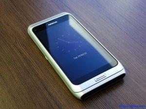 Nokia E7 Front