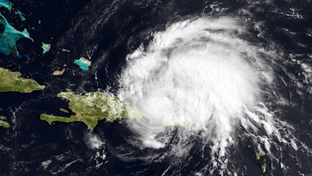 track storms in hurricane